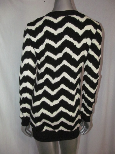 LT-L9340C - Long Sleeve Chevron Print Light Sweater