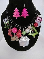 #9 Christmas Necklace W/Earrings